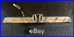 2007-11 Honda CRV CR-V Tailgate Trim withRear View Camera