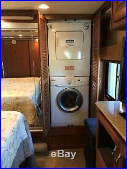 Fleetwood Discovery 40X Like New Class A Diesel Pusher rear & side view camera's